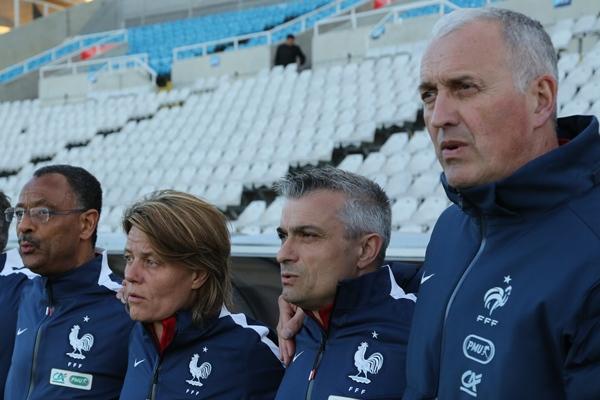 Frédéric Aubert, Sandrine Roux, Thierry Asseloos ont tous exulté sur le banc, aux côtés de Philippe Bergerôo (photo Sébastien Duret)