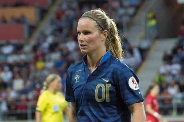 Enchaîner les matchs en sélection, et bien figurer en coupe du monde. Telle sera la devise de la native du Nord (Photo : FFF).