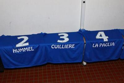 Pour l'occasion, les dirigeants de Bischheim ont floqué les maillots aux noms des joueuses (photo LAFA)
