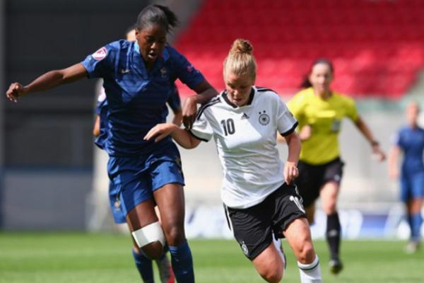 Retrouvailles avec l'Allemagne pour Tounkara et 12 autres partenaires, un an après la demi-finale de l'Euro U19 (photo UEFA.com)