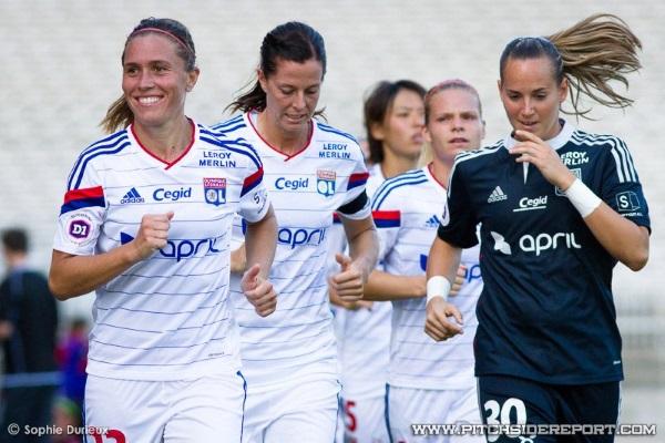 Méline Gérard à droite va retrouver Camille Abily en sélection