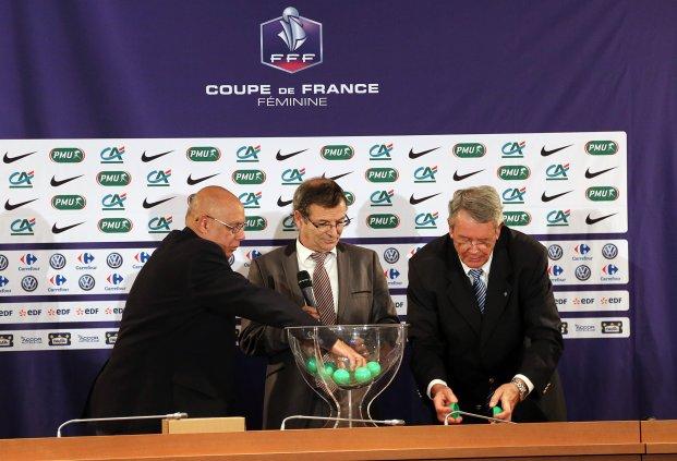 Marcel Basque et Jean-Yves Fustec ont effectué le tirage (photo FFF)