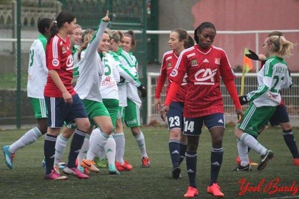 A l'image de Charlotte Lorgeré, le doigt levé, l'ASSE retrouve le sourire (photo Yoel Bardy/ASSE féminines)