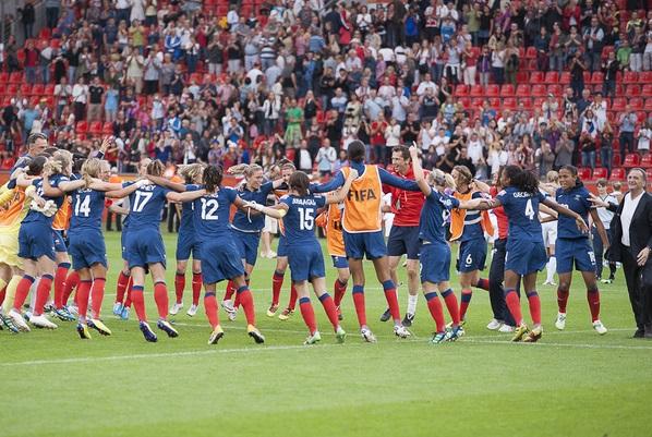 La joie tricolore lors du France - Angleterre en Coupe du Monde 2011 (photo E Baledent/LMP)