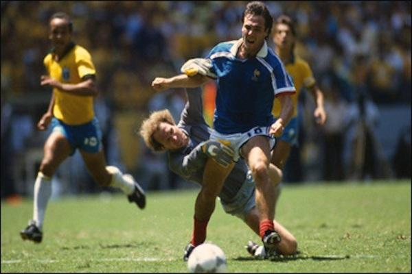 Guadalajara 1986, Bellone en acteur majeur d'un quart de finale de Coupe du monde de légende. Bien sûr, y'avait penalty !