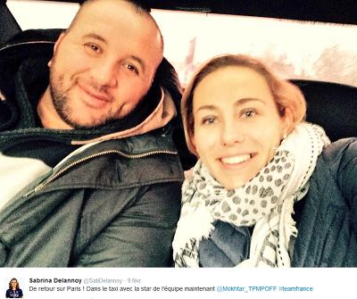 Mokhtar avec Sabrina Delannoy lors du retour à Paris (twitter)