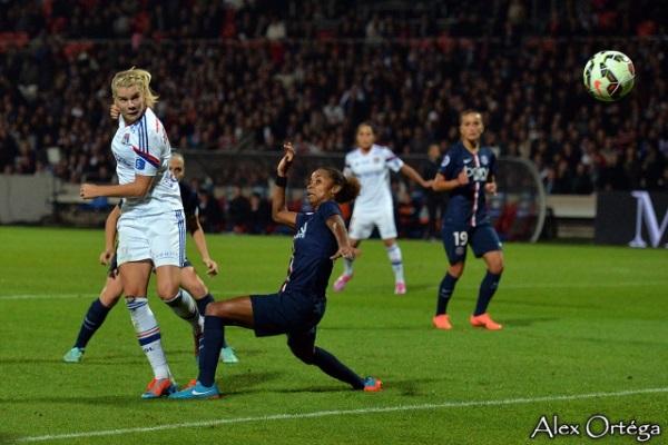 Ada Hegerberg est à l'origine des deux premiers buts de l'OL (Photos : Alex Ortega)