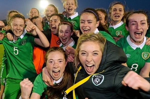 Les Irlandaises explosent de joie (photo UEFA)