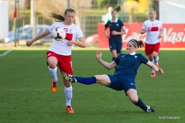 D1 - Charlotte BILBAULT (ASJ Soyaux) rejoint le FCF JUVISY