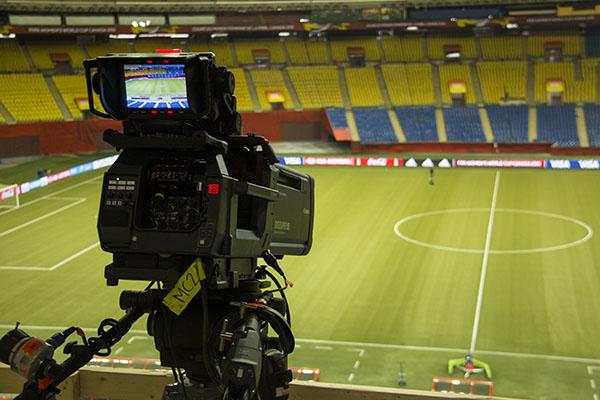 En attendant les matches de demain à Montréal, les caméras commencent à s'installer.