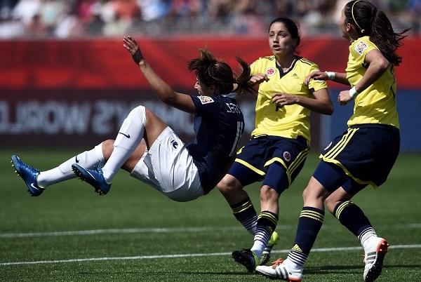 Claire Lavogez et les Bleues en panne de but (photo FIFA)