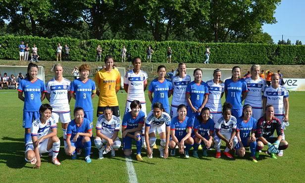 Les deux équipes avant la rencontre (photo olweb)