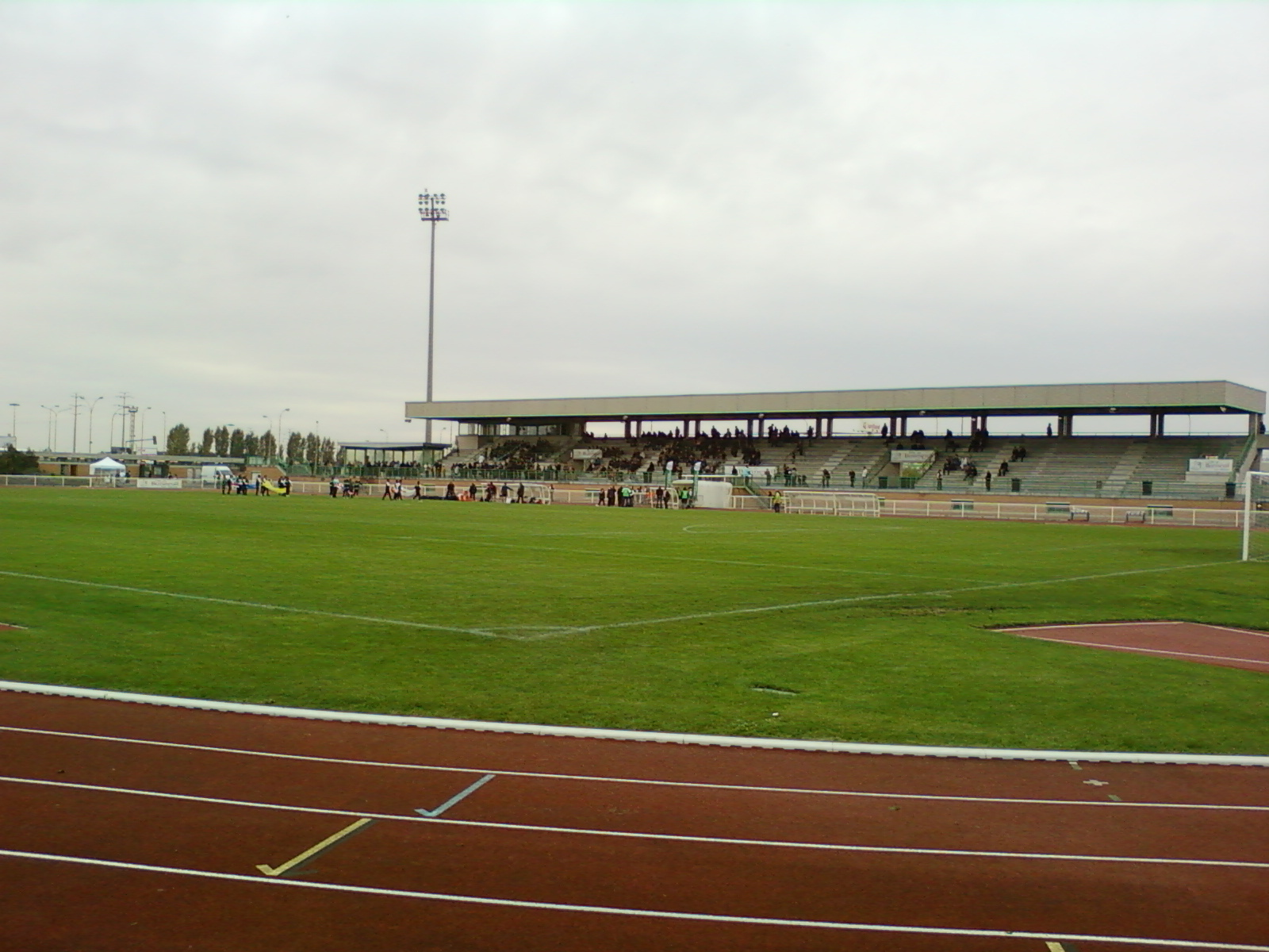Le stade Léo Lagrange a aussi accueilli les Bleues en 2003 face à l'Islande (photo DR)