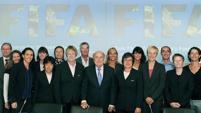 La Task Force autour de l'actuel Président de la FIFA (photo FIFA)