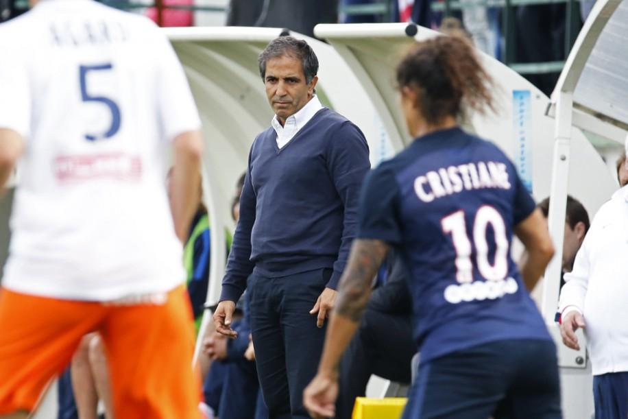 Farid Benstiti, impuissant face au bloc adverse (photo PSG.fr)