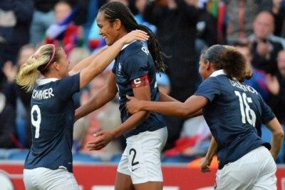 La joie de la capitaine Renard (photo FFF)