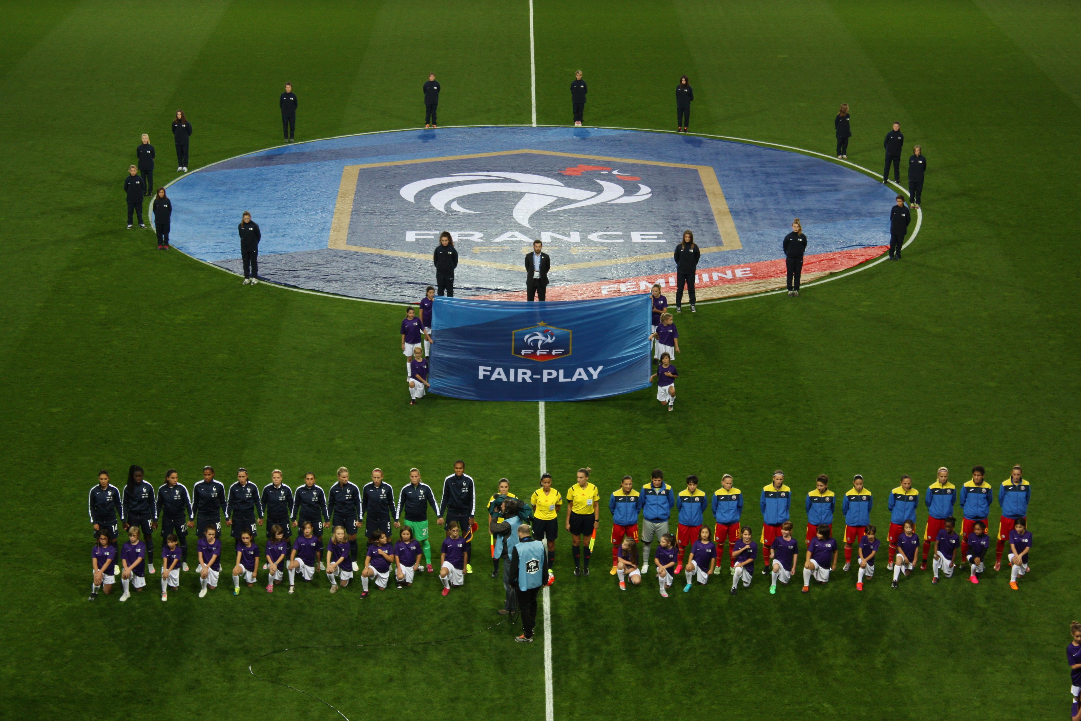 Bleues - FRANCE - ROUMANIE : 3-0 (Delie 16', Le Sommer 35', 48' - terminé)