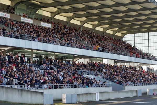 Le stade a fait le plein pour la venue du PSG (photo Sébastien Duret)