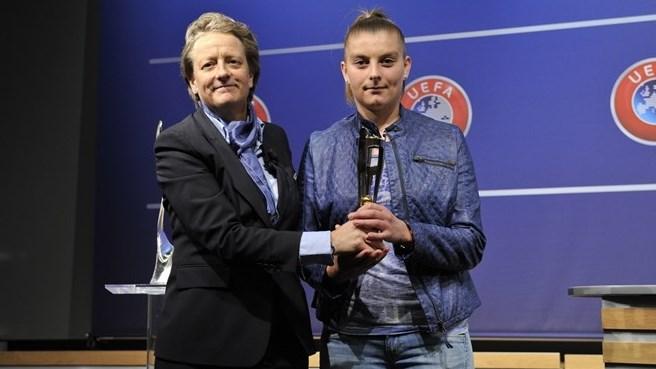 karen Espelund et Marie-Charlotte Léger (photo UEFA)