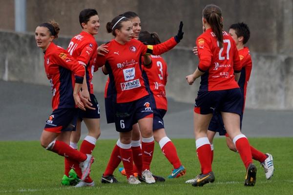 Ripoche au centre a ouvert le score (photo Sébastien Duret)