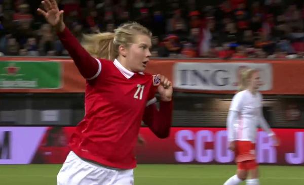 Ada Hegerberg aura été impliquée dans les quatre buts norvégiens (image Eurosport)