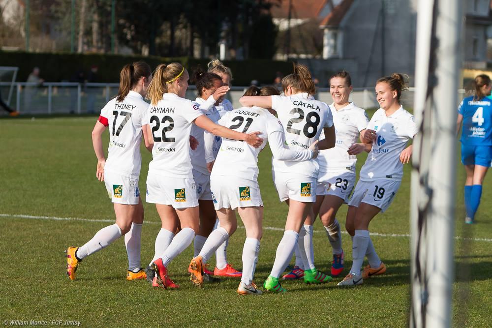 Les Juvisiennes réagissent après la pause (photo William Morice/FCF Juvisy)