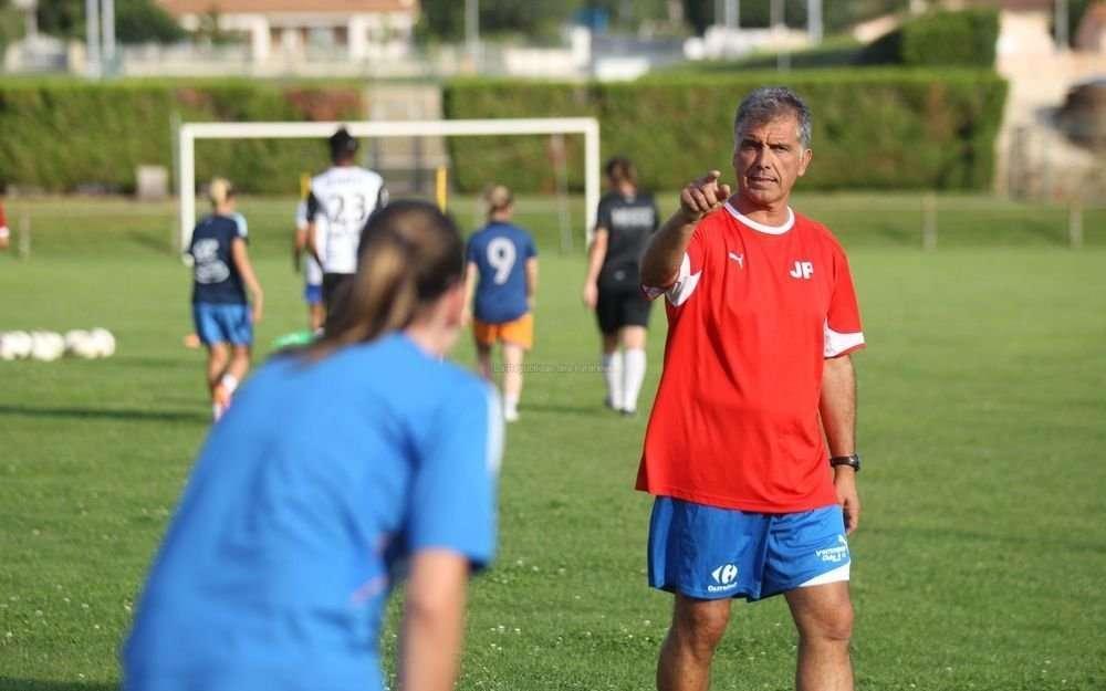 D1 - L'entraîneur Juan PAREDES va quitter SOYAUX à la fin de la saison