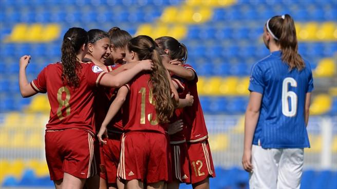 La gardienne belarusse a passé une très mauvaise après-midi (photo UEFA)