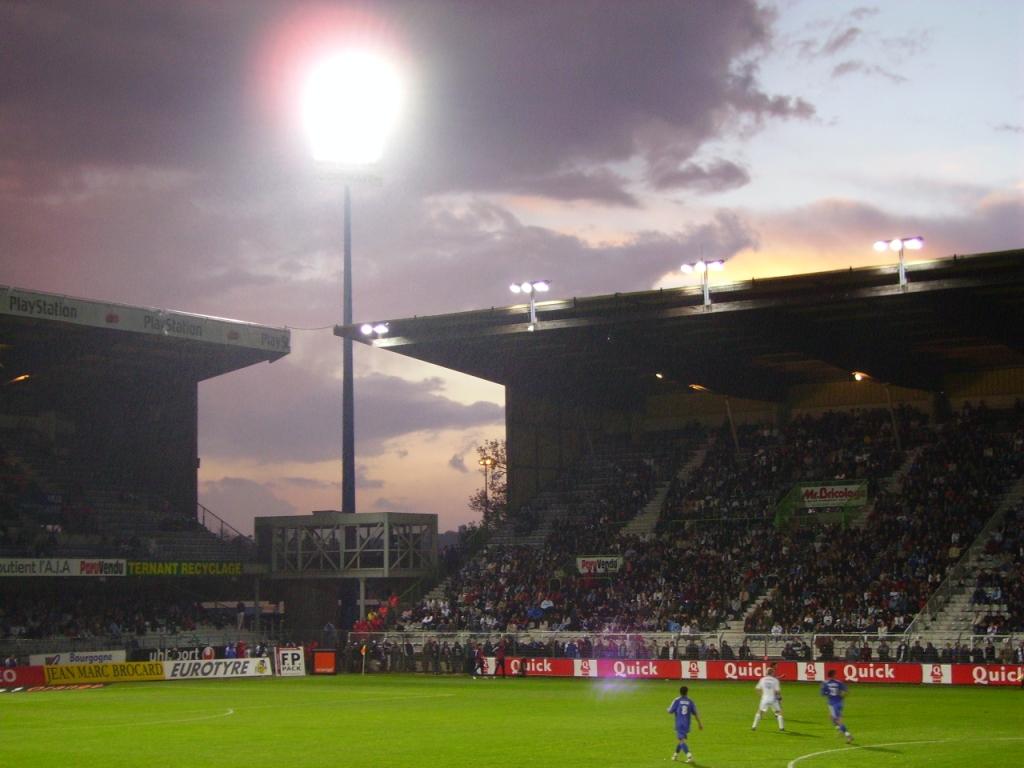 Le stade Abbé Deschamps sera plein ce samedi soir