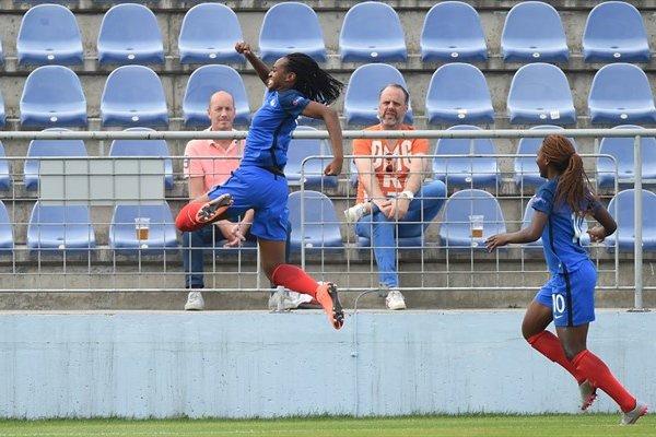 Les Françaises ont réagi après la pause (photo UEFA.com)