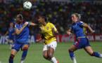 Ekholm intervient devant la Brésilienne Geyse (photo FIFA.com)