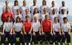 Les 18 joueuses et le staff (photo : uefa.com)