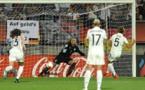 Le penalty de Peter qui permet à l'Allemagne de s'imposer (photos UEFA.com)