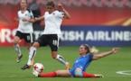 Henry ici en train de tacler devant Feiersinger a permis d'égaliser (photos UEFA.com)