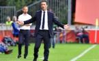 Echouafni au premier plan, et Mark Sampson, derrière (photo UEFA.com)