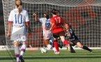 Thomis élimine la gardienne et inscrit le 7e but (photo : prosport)
