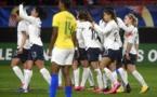 Valérie Gauvin à gauche a inscrit le seul but de la rencontre à la 55e minute