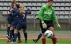 Kosovare Asllani congratulée pour son but inscrit après 26 secondes (photo E Baledent/LMP)
