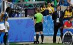 Staubli lors de l'action litigieuse qui a offert la victoire à l'Australie (photo FIFA.com)