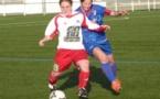Le FC Nivolet (en blanc) a inscrit un but à la quinzième seconde de jeu