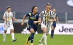 Karchaoui suivie de près par Bonansea (photo Juventus.com).