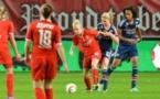 Amandine Henry et l'OL auront pris le dessus au milieu (photos FC Twente)