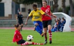 A l'image des deux défenseures du FF Issy ici face à la VGA St-Maur, l'équipe affiche une belle solidité (photo Anthony Massardi)