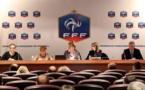 Brigitte Henriques, secrétaire générale de la FFF, entourée de Candice Prevost et Michelle Chevalier, Présidente de la Commission de Féminisation, et de François Blaquart, DTN (photo FFF)