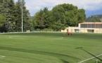 C'est le synthétique du stade de la Bâtie qui accueillera Claix-OL, dimanche après-midi. (claixfoot.footeo.fr)
