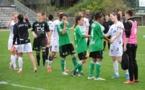 Les poignées de main à la fin du match aller n'étaient finalement pas les dernières (photo M. Dumas/ASSE)