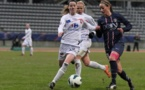 Anaïg Butel, ici aux côtés de sa coéquipière Julie Soyer lors du match face au PSG, aura pour ambition d'obtenir une qualification pour la prochaine édition de la ligue des champions (Photo : club).