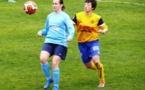 Sandra Chatoux (à gauche, FCF Val d'Orge) n'a gagné qu'un seul de ses six derniers matchs (photo Alain Morel)