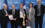 La remise officielle de la candidature de la FFF à la FIFA (photo FFF)