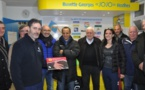 Cédric Bertrand a reçu la récompense des mains du président du district Jacques Meric.